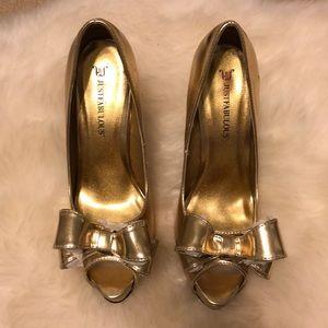 Gold Peeptoe Heel with bow!